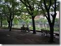 京橋川沿いのベンチ